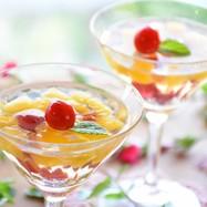 サクランボと黄桃のゼリー