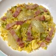 卵レタスベーコンきざみねぎ塩パラパラ炒飯