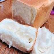 HBで!!ふわっモチッと軽いお家食パン
