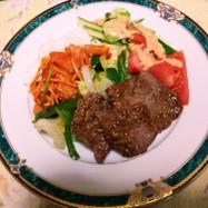 マトン野菜焼きご飯ナポリ、サラダ添え