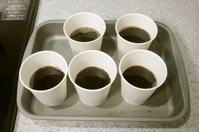 常温で固まる、紙コップコーヒーゼリー