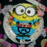 ミニオン ケーキ★ キャラ 立体ケーキの写真