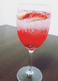 苺なハーブコーディアル スパークリング