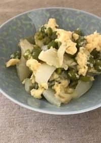 エンドウ豆と新玉ねぎの卵とじ