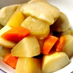 ずぼら里芋の鶏皮煮