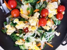 サニーレタスと卵の野菜炒め