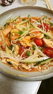 ★キムチ乗せぶっかけサラダ素麺の写真