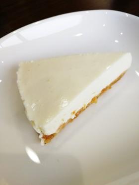 簡単ヘルシーなんちゃってレアチーズケーキ