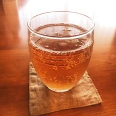 暑い日にグビグビっと麦茶ソーダ!