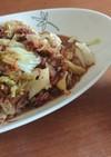 キャベツと玉ねぎとコンビーフの炒め物