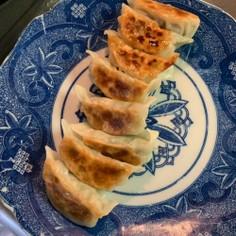 春菊と味噌で餃子を。