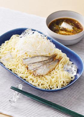 オイルサーディンで魚介のみそつけ麺