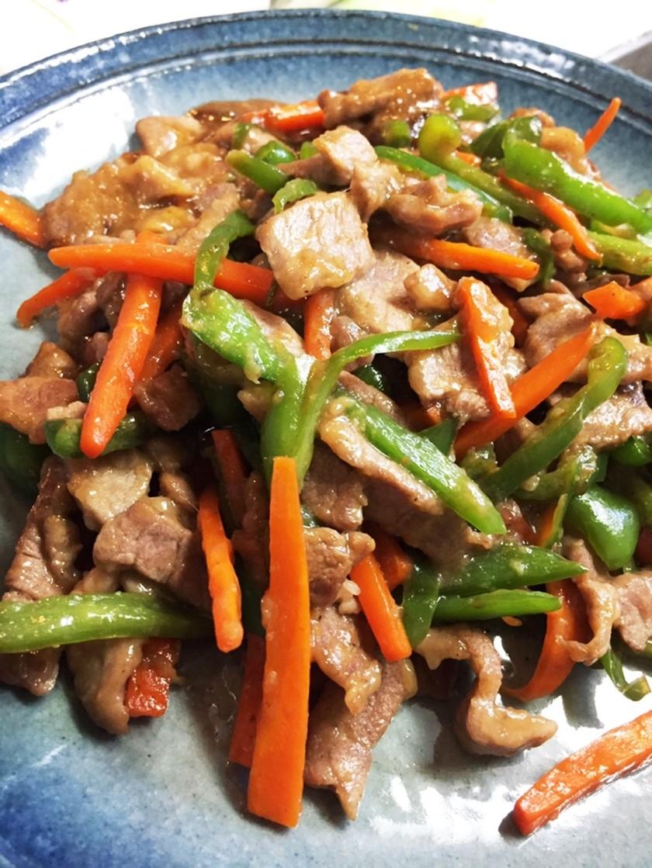 人参とピーマンと豚の炒め物/青椒肉絲風
