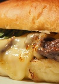 すき焼きチーズステーキ サンドイッチ