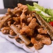 豚肉とごぼうの甘辛炒め♪の写真