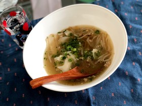 余った餃子・ワンタンの皮で絶品スープ!