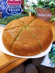 混ぜるだけ☆炊飯器deパンケーキ(青汁)の写真