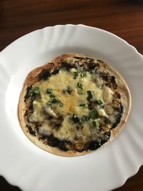 海苔の佃煮の簡単ピザ!