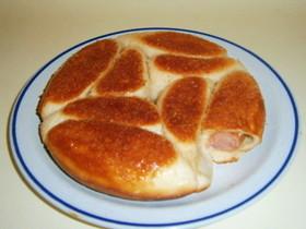 フライパンで焼くパン ソーセージパン