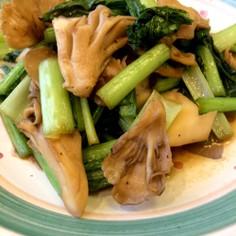 小松菜と舞茸の炒め物♪オイスターソース