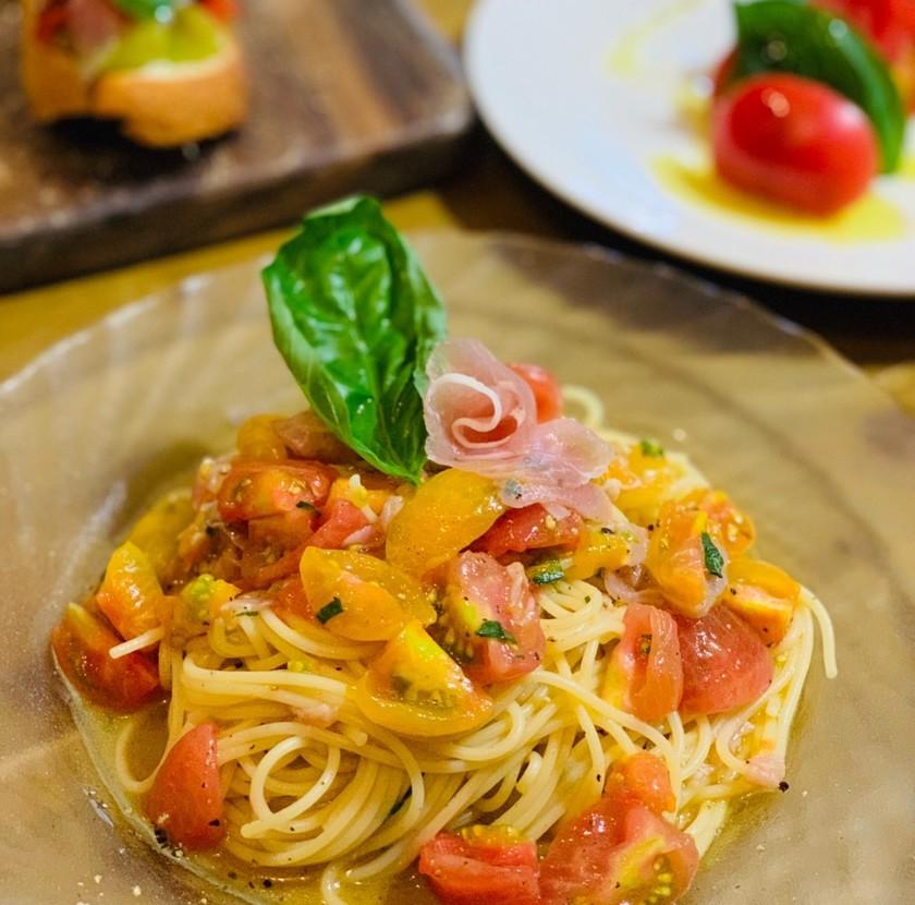 ぜいたくなトマトと生ハムのカッペリーニ