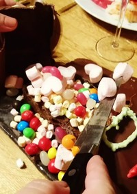 チョコドームで♥️お菓子のおもちゃ箱