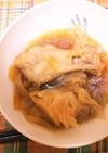 キャベツの芯と手羽元を生姜で煮ました