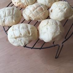 自家製酵母のクリームメロンパン