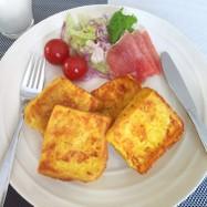 カレー風味のチーズフレンチトースト