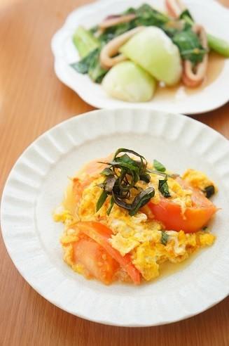 トマトと卵のしそ炒め