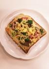 ❁椎茸とベーコンと青葱のチーズトースト❁