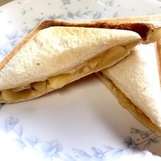 シナモンアップルとチーズのホットサンド
