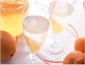 リンゴ酢のオレンジサワードリンク