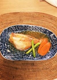 冷凍赤魚の煮付け(人参添え)