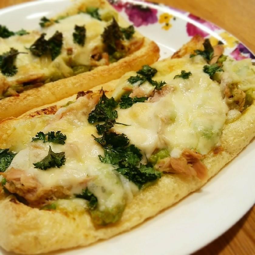 筋トレ飯♡油揚げピザ(アボカドツナ)
