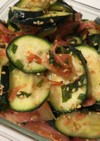 ズッキーニとトマトの干しエビサラダ