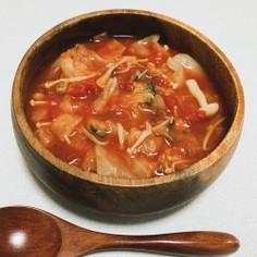 簡単★冷蔵庫の余り物で食べるトマトスープ