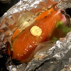 フライパンで鮭のちゃんちゃんホイル焼き