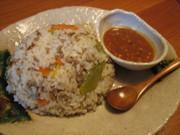 鶏スープで炊き込みごはん・カオマンガイ風の写真