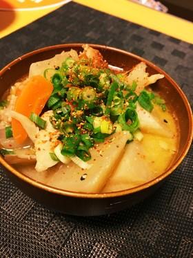 おろし生姜で香り立つ野菜たっぷり豚汁