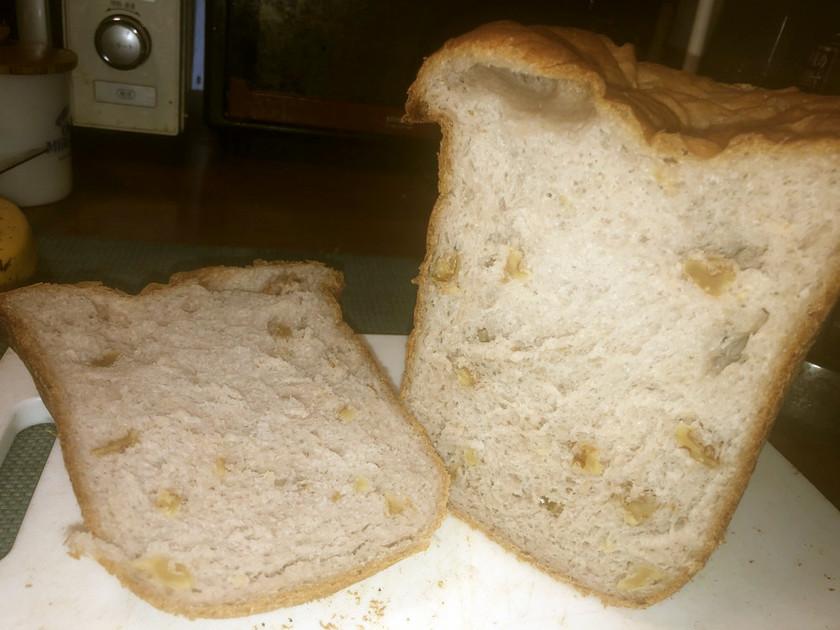 くるみと酒かすの食パン