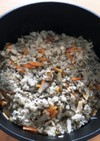 鯖水煮缶の炊き込みご飯