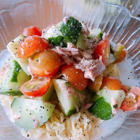 サッポロ一番で!胡瓜とトマトのサラダ冷麺