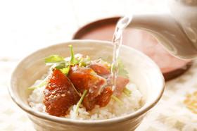 贅沢な一時を「花の鯛茶漬け」(よか魚)