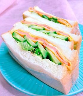 朝食に!ベーコン玉子のサンドイッチ