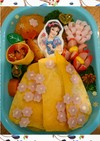自作ピックで作る白雪姫のキャラ弁❤
