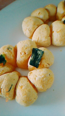 白玉粉と木綿豆腐でかぼちゃのお餅風パン♡