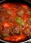 ピーマンの肉詰めトマト煮込み