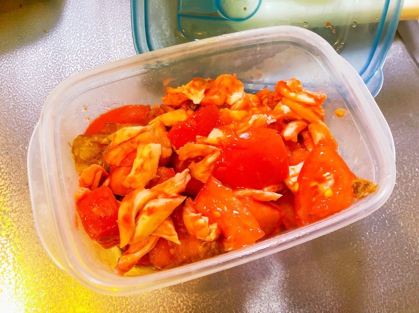 トマトとかつお節の梅肉和え
