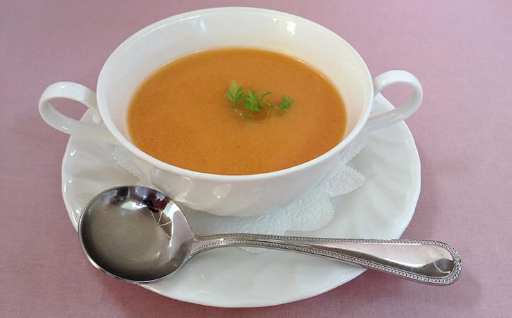 トマトの冷たいクリームスープ